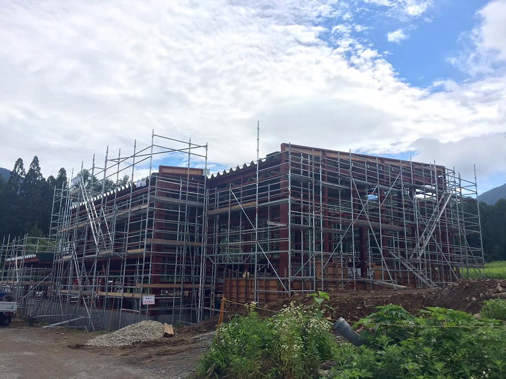 工事中の建屋